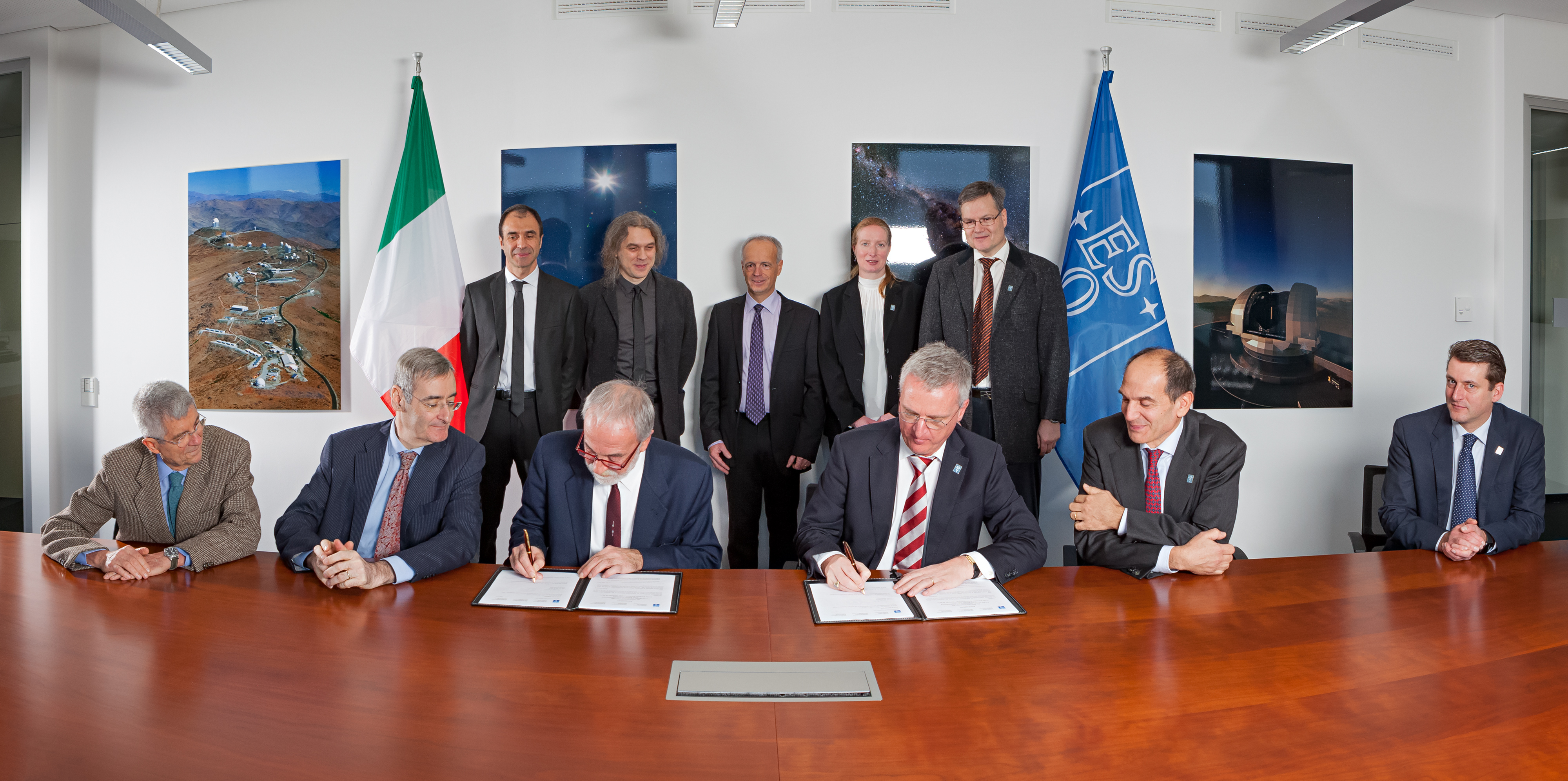 At a ceremony held at ESO Headquarters in Garching bei München,  Germany, on 10 December 2015 an agreement was signed between ESO and an  international consortium for the design and construction of the MAORY adaptive optics system for the European Extremely Large Telescope (E-ELT). The agreement was signed by Nicolò D'Amico, President of the Istituto Nazionale di Astrofisica (INAF, Italy), on behalf of the consortium, and Tim de Zeeuw, ESO Director General.